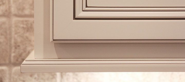 Woodmont Cabinetry coffee glaze accent